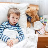 Zdecydowana większość infekcji u dzieci ma charakter wirusowy. Takich chorób nie leczymy antybiotykami!