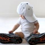 Pierwsze buciki powinny być wykonane z przewiewnego materiału i mieć miękką podeszwę.