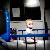 Ból, smutek, strach, stres i zwykła nuda - to wszystko przeżywa dziecko w szpitalu.