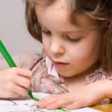 Zbędne przedmioty w tornistrze nie tylko obciążają ucznia, ale i rozpraszają jego uwagę podczas lekcji.