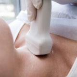 Hormony tarczycy decydują o funkcjonowaniu organizmu. Problemy z tarczycą obniżają płodność i zagrażają ciąży