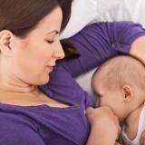 Karmienie piersią nie jest proste, ale daje wiele korzyści dziecku i matce