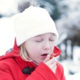 Smog daje się dzieciom we znaki zwłaszcza zimą. Uporczywy kaszel u dziecka często nie jest związany z infekcją wirusową, ale smog może wywoływać nawracające zapalenia górnych i dolnych dróg oddechowych