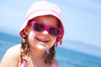 Solaria nie są dla dzieci! Słońce - tak, ale z odpowiednią ochroną!