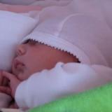 Zwykle noworodki przesypiają 16 do 18 godzin na dobę.