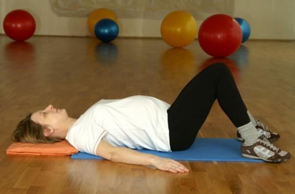Pozycja wyjściowa do ćwiczenia mięśni Kegla oraz mięśni pleców