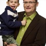Dr Paweł Grzesiowski z synkiem Jasiem