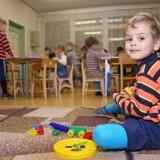 Kłopoty z miejscami w przedszkolach skończą się dopiero w 2012 roku.