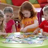 Gry uczą dzieci wyobraźni, cierpliwości, koncentracji, twórczego myślenia, sprawności językowej a także umiejętności rozwiązywania problemów.