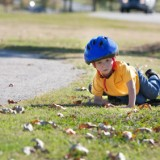 Pięcioletni chłopcy są ruchliwsi od swoich rówieśniczek. Tak więc szczególnie dziewczynki trzeba zachęcać do zabaw wymagających ruchu.