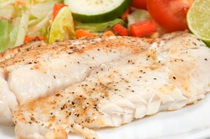 Zalecane są tłuste, morskie ryby  śledź, makrela, łosoś, szprotki, sardynki, halibut.