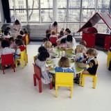 Zanim rodzice wybiorą odpowiednie miejsce dla dziecka, powinni spotkać się z dyrektorem przedszkola, porozmawiać z przedszkolankami, zobaczyć miejsce zabaw, sale, toalety.