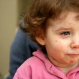Gorączka i brak apetytu mogą zwiastować ospę. Dopiero potem pojawia się swędząca wysypka