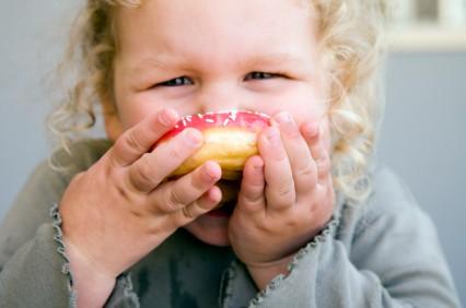 Między posiłkami trzeba robić dwuipółgodzinne przerwy, uzupełniając między posiłkami płyny.