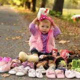 Dziecko w butach, dziecko z butami