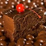 Gdy się ma odpowiednią wiedzę na temat pokarmów pobudzających wydzielanie histaminy, można ich unikać, m.in. kakao.