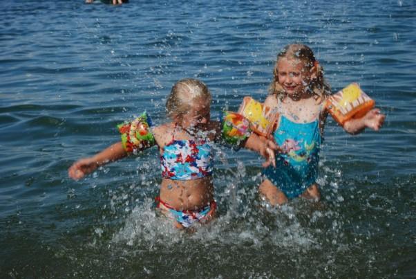 Zdjęcie zgłoszone na konkurs eBobas.pl Mama nie chciała przyjść do Wody...więc Woda przyszła do Mamy :D