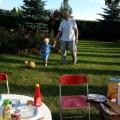 Gra w piłkę z pradziadkiem :)