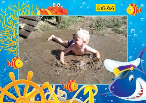 Błotne kąpiele Marcelek wie,\nże błotne kąpiele są najlepsze na cerę :)