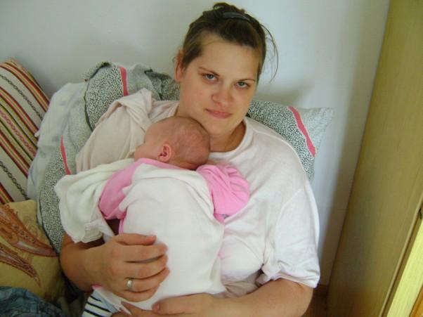 Pierwszy dzien w domku Mama i córcia