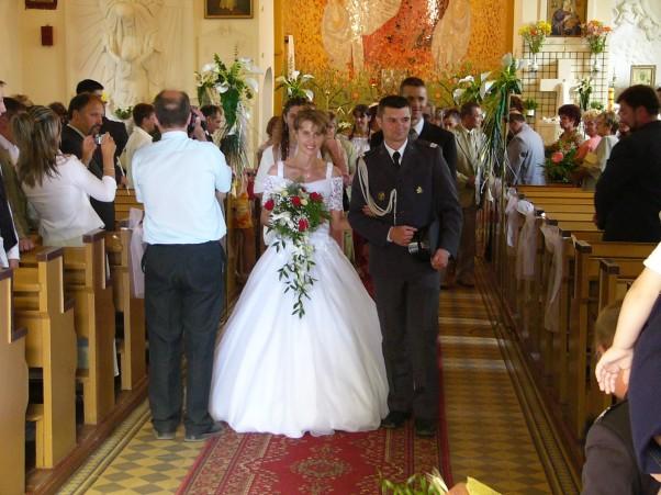 To już za nami:) Wychodząc z kościoła:)
