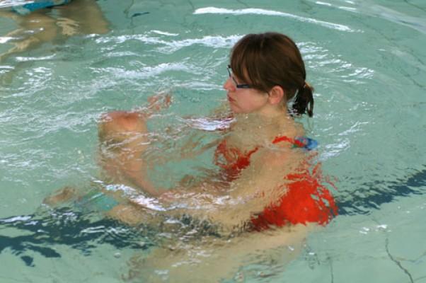 Zdjęcie zgłoszone na konkurs eBobas.pl Mali też umieją nurkować - pod wodą 6-cio miesięczny Rafcio