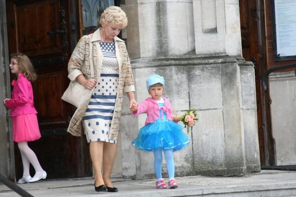 Zdjęcie zgłoszone na konkurs eBobas.pl goście weselni - babcia i Karolinka