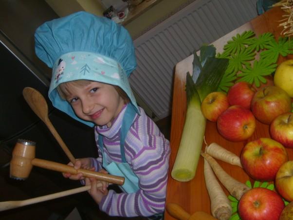 Zdjęcie zgłoszone na konkurs eBobas.pl Co by tu ugotować: rosołek, czy kompocik:)?