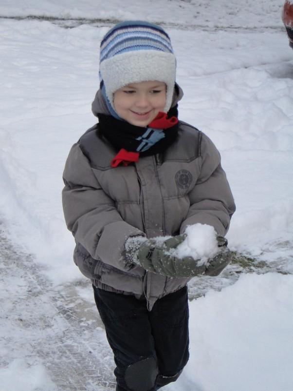 Zdjęcie zgłoszone na konkurs eBobas.pl my się zimy nie nie boimy i śnieżkami w siebie rzucimy:)