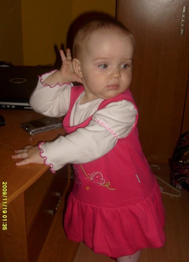 Gwiazdka 2009, kasia2 dla natalka życzymy ci  kochana córeczko żebyś rosła zdrowa miała zawsze dobry chumor do zabawy, niech słoneczko zawsze świeci najjaśniej dla ciebie i  żebyś byla taka cudowna  i kochana zawsze jak do tej pory.mamusia i tatuś!!!
